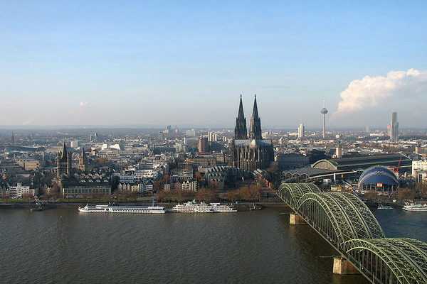 800px-Cologne_panorama.jpg
