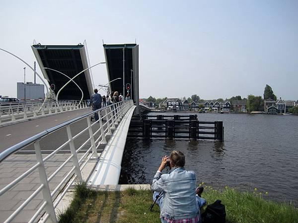 第二次遇到橋升起