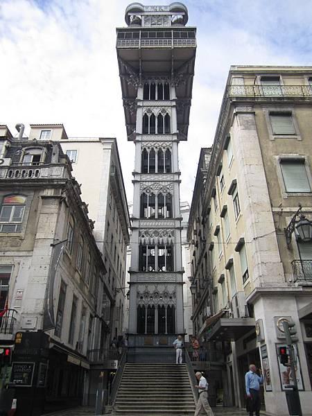 SantaJusta 電梯