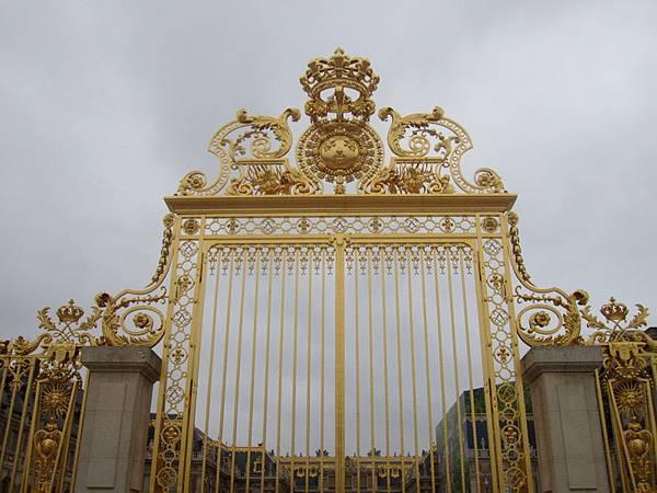 第二道金碧輝煌的門