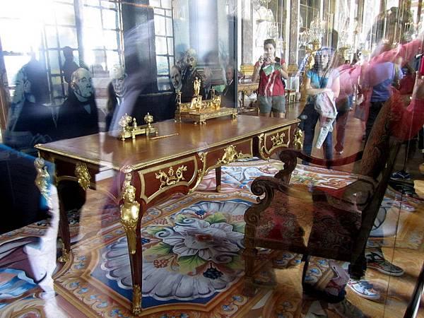 凡爾賽條約簽訂的桌子