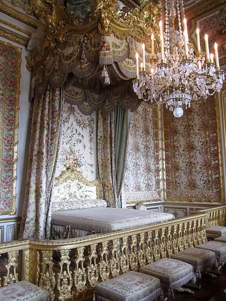 瑪莉皇后的床