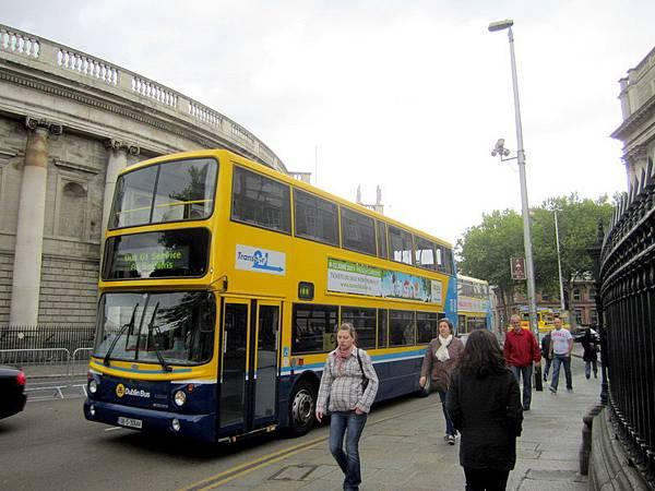 都柏林隨處可見的雙層巴士