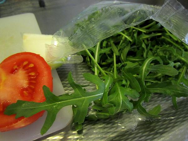 onion tomato rucola.JPG