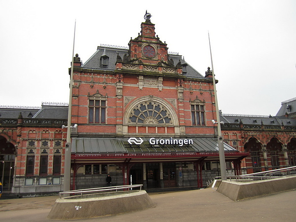 Groningen (53°13′N, 6°33′E)