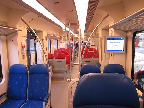火車廂內- 無敵乾淨整潔