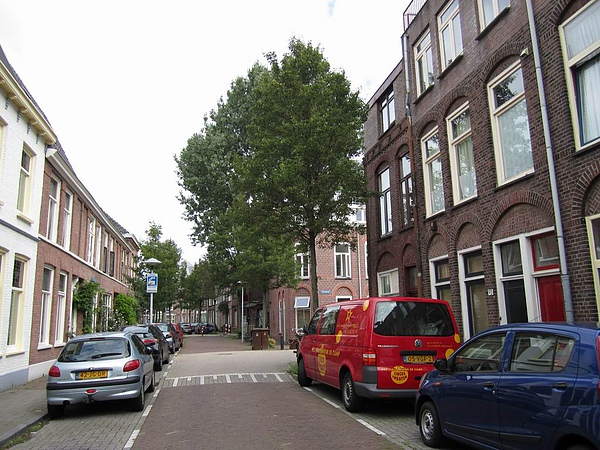 前景...這是一條寧靜的街道