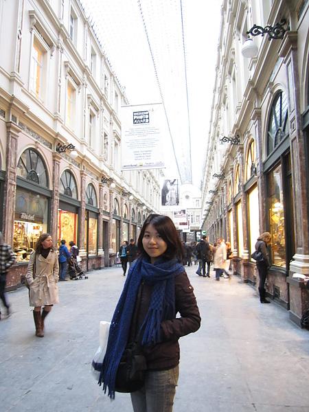 聖赫伯特購物拱廊 Galeries St-Hubert  (世界上最古老的拱廊)