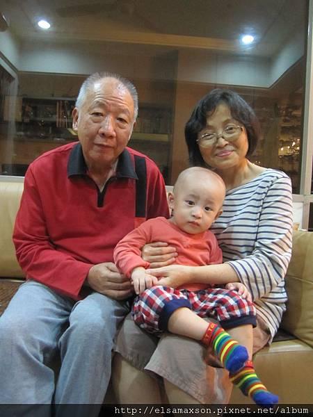 謝謝爺爺奶奶為我安排的生日宴.JPG