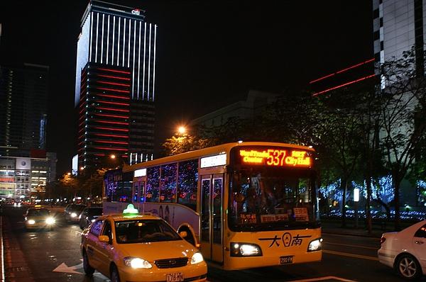 大南汽車(客運)290-FN,好像新店客運的648新車 感謝台北提供
