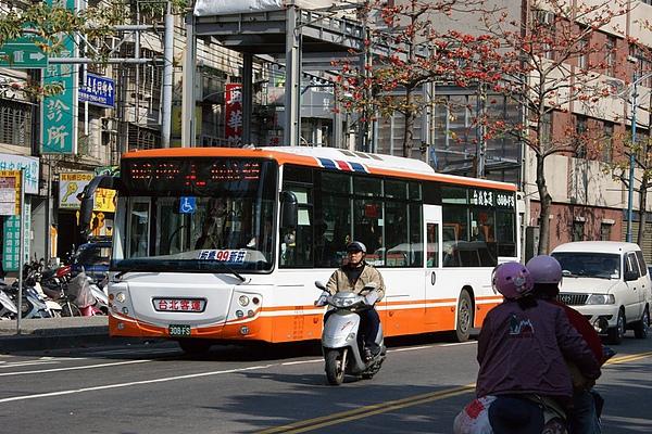 台北客運的低底盤公車 308-FS 感謝台北提供