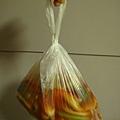 用塑膠袋裝的麵