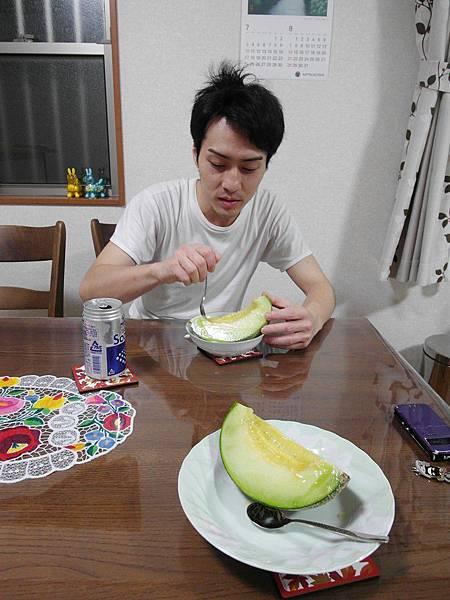 飯後還吃了哈蜜瓜,飽!