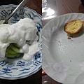 7/31 早餐想到要拍已經來不及了,烤法國麵包/奇異果優格/牛奶