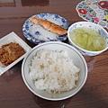今天我的午餐比較專業一點, 有飯有魚也有湯