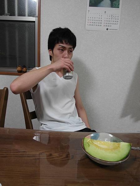 飯後水果哈蜜瓜&啤酒