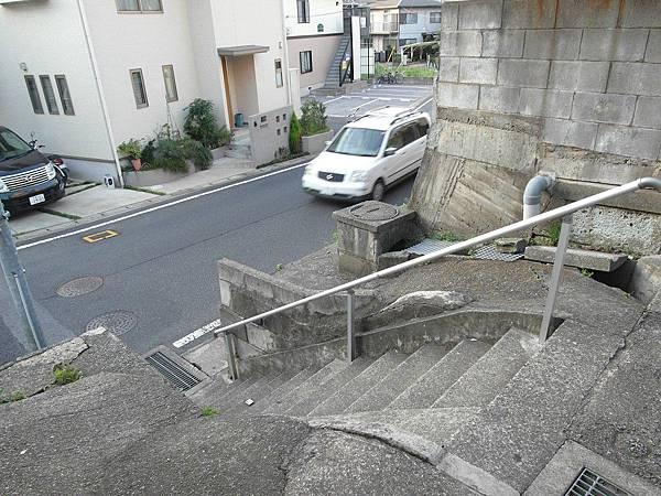 坡很多的地方就有樓梯