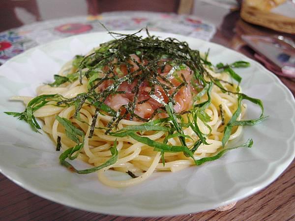 中午自己煮明太花枝義大利麵
