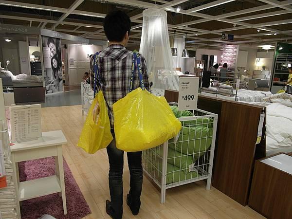 是的~我們又去了IKEA,又便宜又簡單又有設計感,真是買傢俱用品的好所在~
