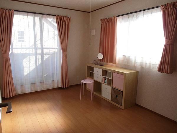 我的房間終於有傢俱啦~(淚)