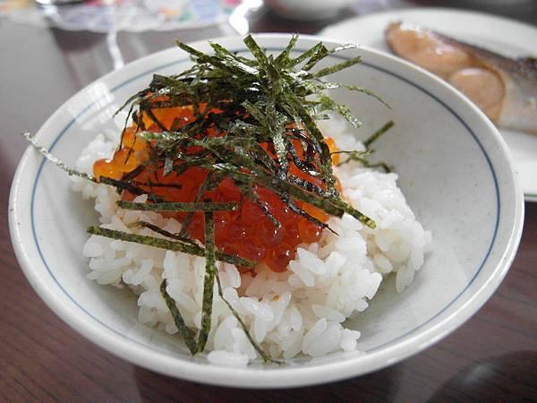 鮭魚卵超好吃可是也不算便宜T_T