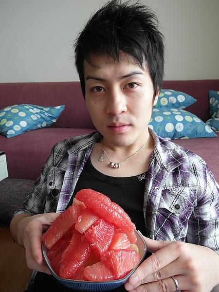 生平第一次吃柚子
