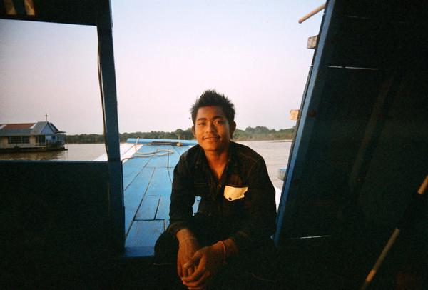 船上的15歲青年 英文溜 發音也很漂亮,Ryo一直說他輸了