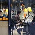新丸之內大樓一樓的PG Café Paris