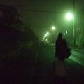 回家的路上是住宅區什麼都沒有,加上今晚起大濃霧,還挺可怕的!