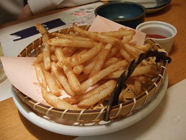 人生中吃過最好吃的炸薯條 一口接一口欲罷不能啊!