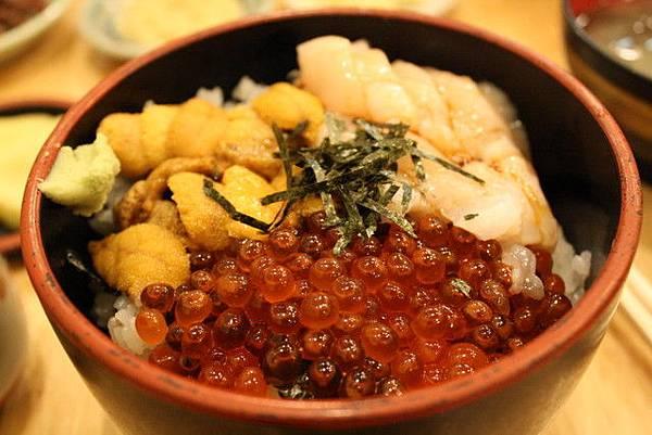 我的鮭魚卵干貝海膽丼飯,天堂~