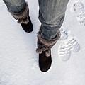 踩在雪上其實很詭異,但爽度還是百分百