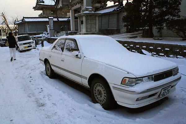 車子被雪覆蓋真幸福啊~