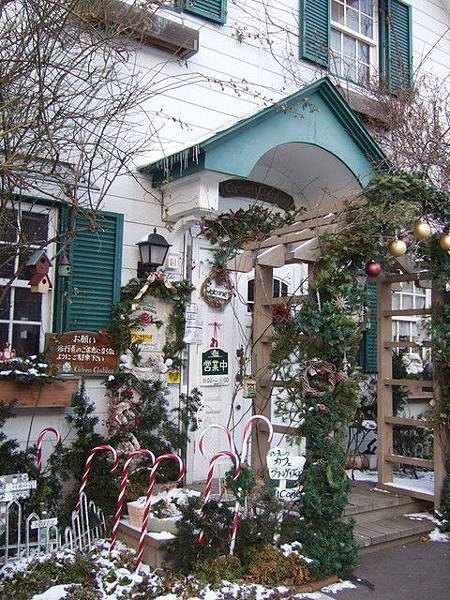 外觀很可愛的咖啡廳,讓我直覺就聯想到聖誕樹