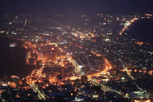聽說函館市的夜景燈光安排都是精心設計過的,不曉得是真的假的?
