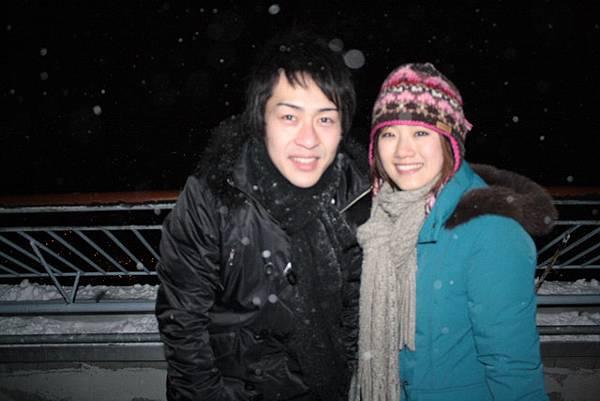 雪一直下不停,山上溫度又低到爆,拍完這張就衝進去取暖了