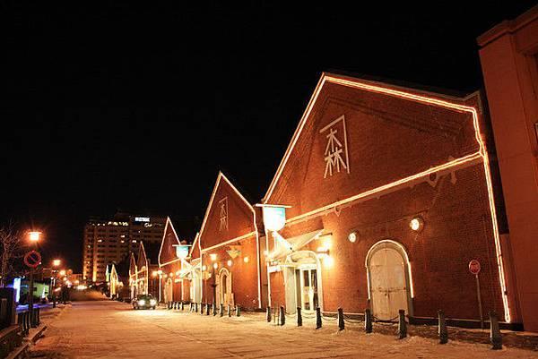 雖然店家都關門了,但還是晚上的金森倉庫群比較有氣氛