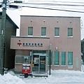 粉紅色的函館海岸郵便局