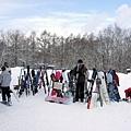 這是ski和snowborad的休息暫放區