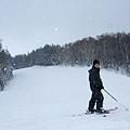 滑到這段突然下起雪來,而且一個人也沒有,有種把這裡包下的錯覺