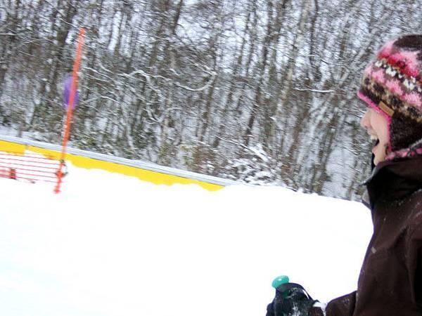 葉大師很拚命在幫我記錄我的滑雪初體驗!