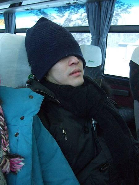 回程也是一路睡回函館市區的葉小豬^@@^