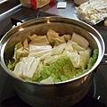 大廚煮蔬菜湯,而我只負責將買到的牛肉丸拿去微波,over!