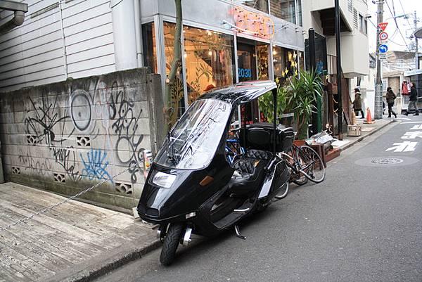 如此一來下小雨騎車也不用怕了~