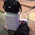 我們的行李與一袋糧食?看這扮勢就知道又有一場戰要打了