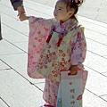 她才三歲唷~小小的和服超可愛