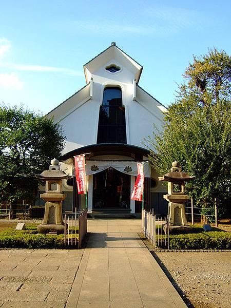搞不太懂這棟建築物是神社、廟還是教堂