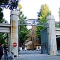 東大正門,在門前考慮了一下,最後還是決定進去繞一繞