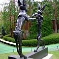 在打拳擊的二隻兔子