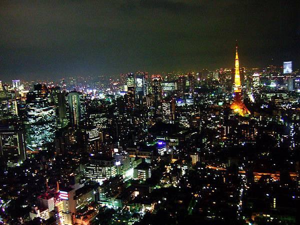 wow...可以很清楚的看到東京鐵塔唷,絕景!